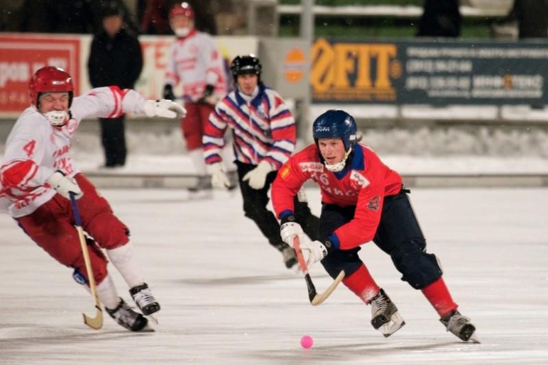 До 15 февраля в первоуральске проходит предварительный этап соревнований по хоккею с мячом iii зимней спартакиады